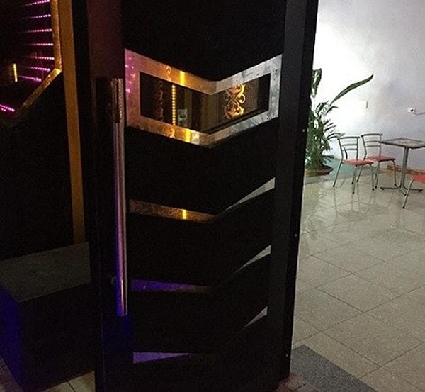 Cửa chống cháy phòng karaoke đẹp bằng Inox