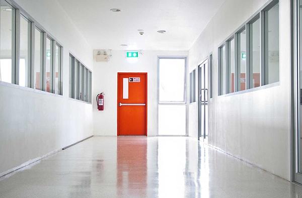 Các quy định của nhà nước về cửa chống cháy trong các công trình