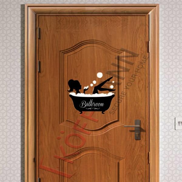 Có nên dùng cửa thép vân gỗ cho nhà vệ sinh?